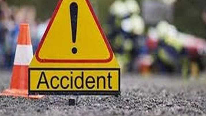 Car-tanker crash on Pune Expressway near Rasayani kills 4