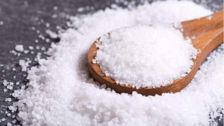 Vastu Tips: Use Salt remedies to keep away diseases. Here's how