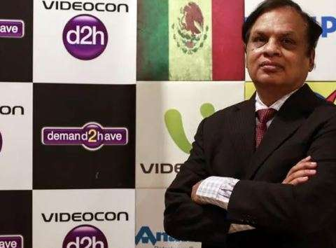 Union stages sit-in at residence of Videocon chairman Venugopal Dhoot