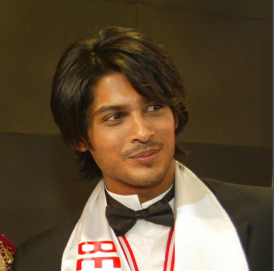 India Tv - Sidharth Shukla as World Best Model Winner in 2005