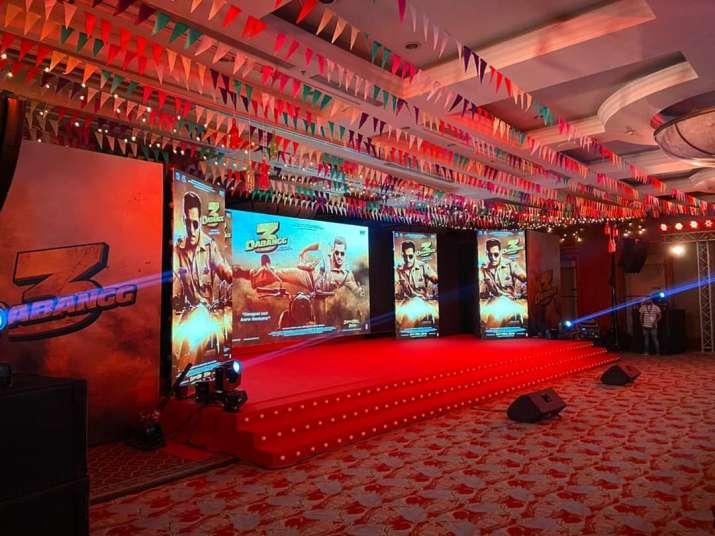 India Tv - Munna Badnaam Hua Song Launch Highlights