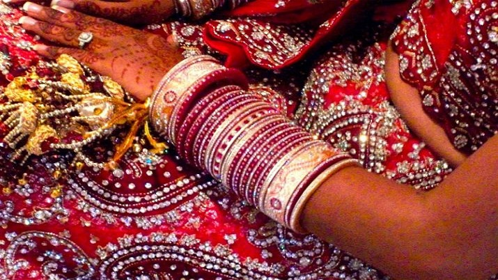 Newly-wed woman flees with cash, ornaments from in-laws' place in UP's Badaun