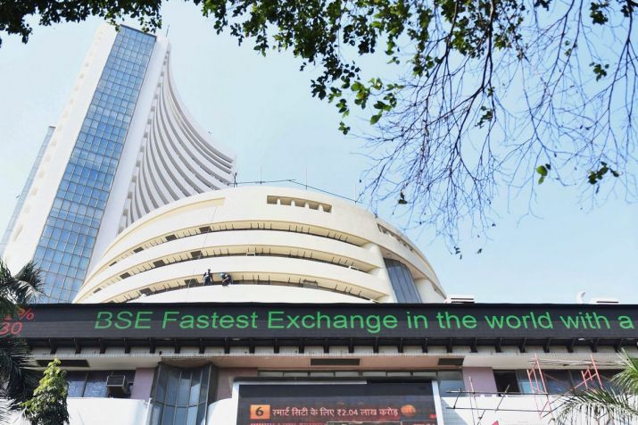 Sensex, Nifty close higher ahead of RBI policy decision