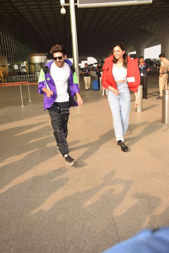 India Tv - Kartik Aaryan keeps his promise, teaches Deepika Padukone Dheeme Dheeme Step (Video, Pics)