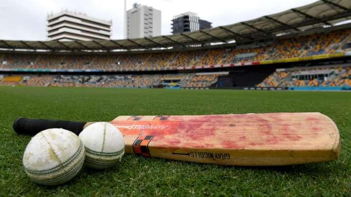 SA cricketers' association mulls strike ahead of England tour