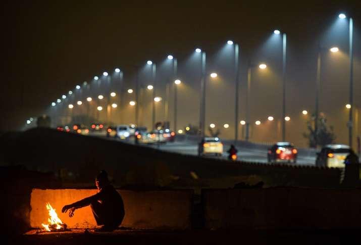 Delhi, north India shivers as temperature drops 3 degree,