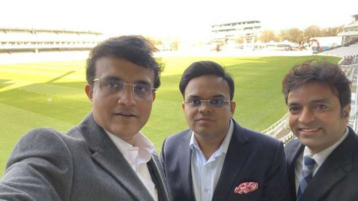 Sourav Ganguly with Jay Shah (centre)