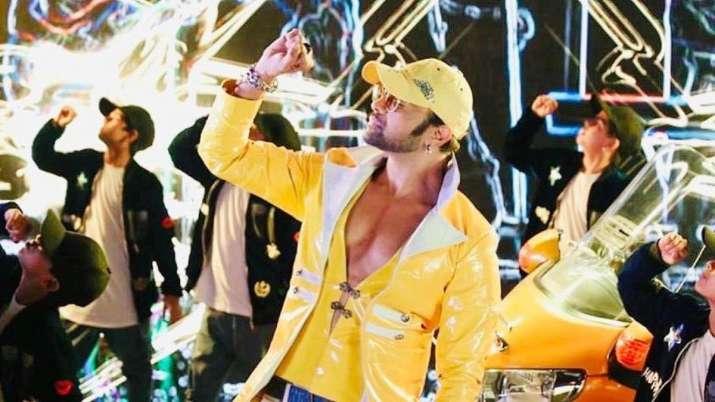 Himesh Reshammiya signs Indian Idol 11 contestant Sunny for a song