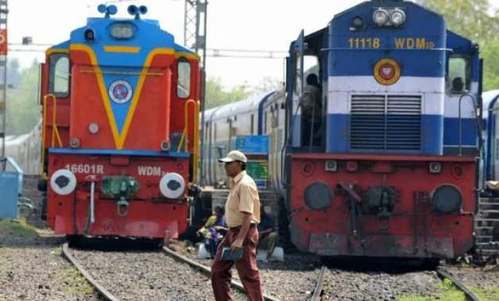 Indian Railway spends ₹ 98 to earn ₹ 100: CAG to