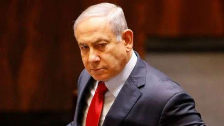 Gaza rocket forces Israeli PM Netanyahu off stage at