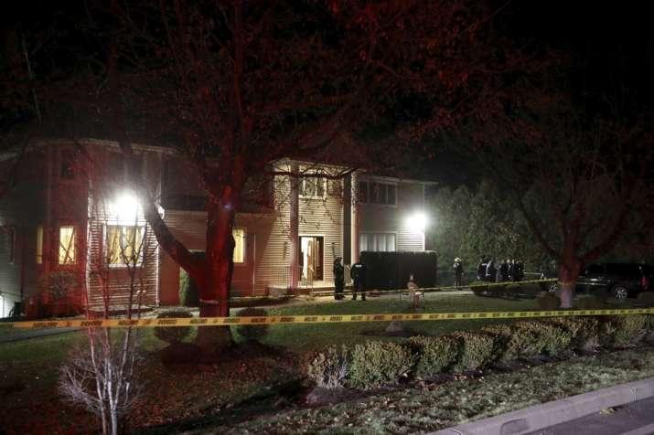 5 stabbed at Hanukkah celebration north of New York City