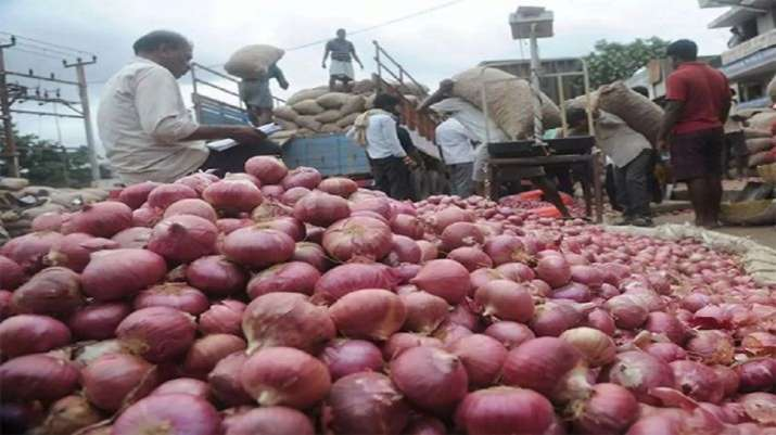 Onions retailing at Rs 100-120 per kg in MP's Bhopal