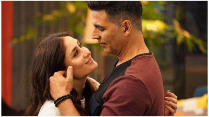 Kareena Kapoor and Akshay Kumar's Maana Dil song from Good