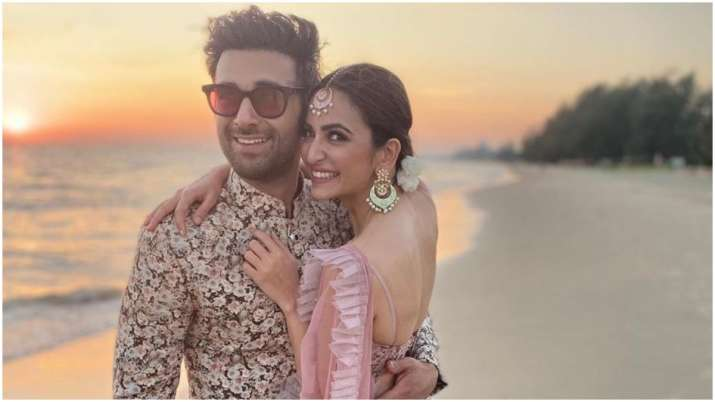 Kriti Kharbanda poses with boyfriend Pulkit Samrat as they