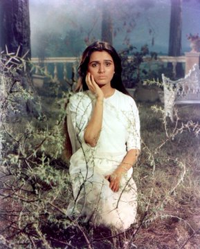 India Tv - Padmini Kolhapure was a perfect foil to Manorama's battered soul.