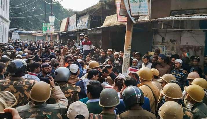 Protests turn violent in Gorakhpur, Kanpur; Internet shut down in Bulandshahr
