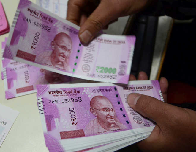 Rs 2000 notes in india, Rs 2000 notes banned or not, Rs 2000 notes discontinued or not, will Rs 2000