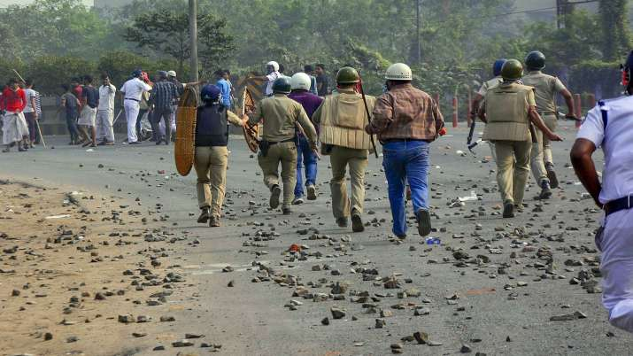 India Tv - Citizenship Act: Spiralling violence in West Bengal; curfew relaxed in parts of Assam, Meghalaya