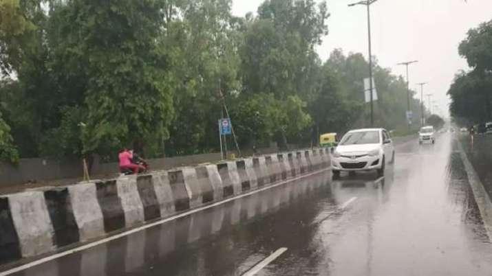 Punjab, Haryana receive rains; minimum temperatures hover