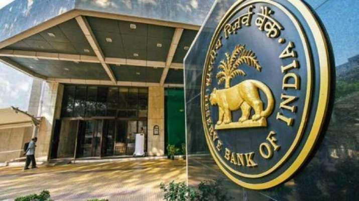 Bankers blame rising inflation for RBI holding rates