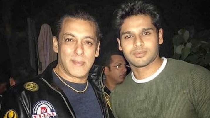 Salman Khan gets Maine Pyaar Kiya jacket from costar Bhagyashree's son Abhimanyu on 54th birthday