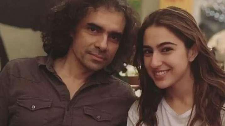 Latest News Sara Ali Khan shares photo with 'Aaj Kal' director Imtiaz Ali but where is Kartik Aaryan