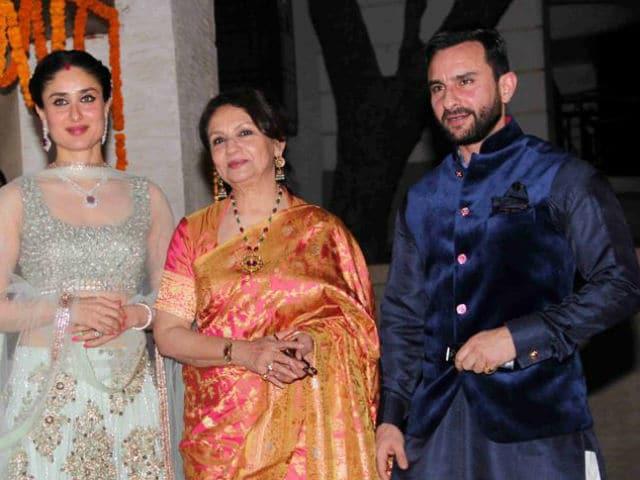 India Tv - Sharmila Tagore with Saif Ali Khan and Kareena Kapoor Khan