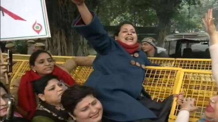 Sharmistha Mukherjee detained for protesting near Amit