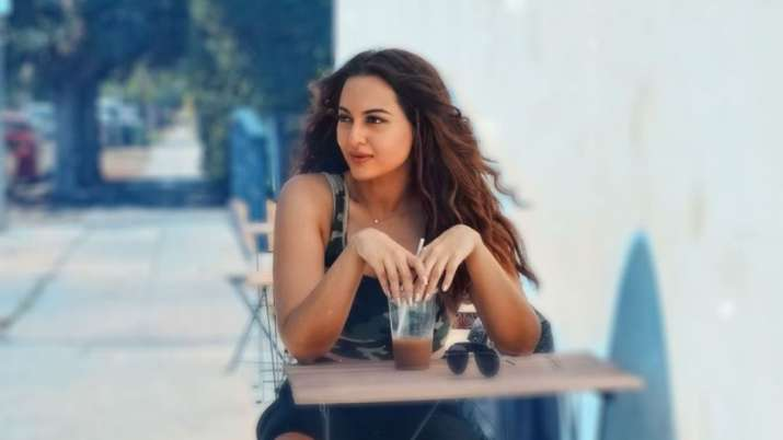 Sonakshi Sinha reacts on Dabangg 3 box office collection