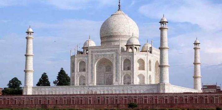 Explore Palace on Wheels option for Taj Mahal's visitors: