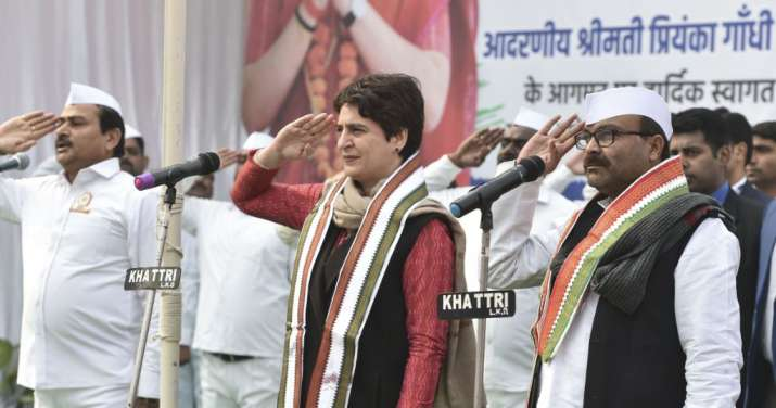 Congress worker breaches security cordon to reach dais where Priyanka was seated in Lucknow