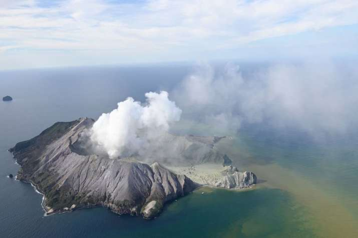 New Zealand volcano eruption on White Island leaves 5 dead, tourists missing