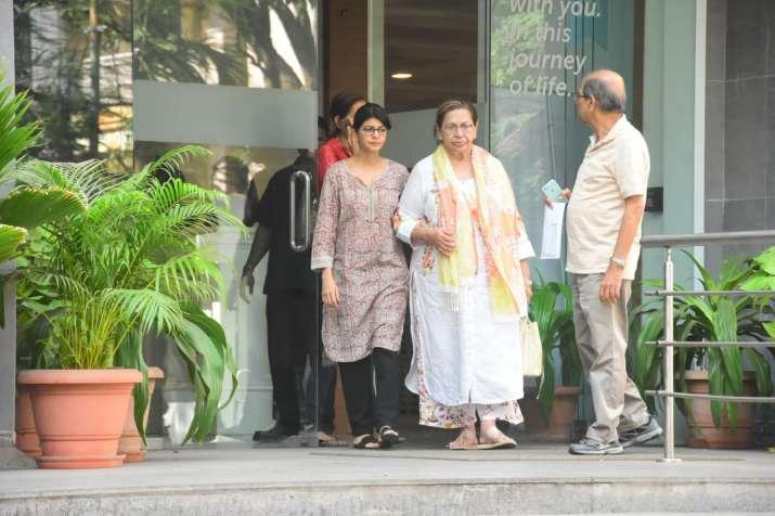 India Tv - Veteran actress Helen outside the hospital.