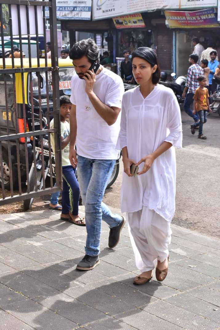 India Tv - TV celebrities at Kushal Punjabi last rights