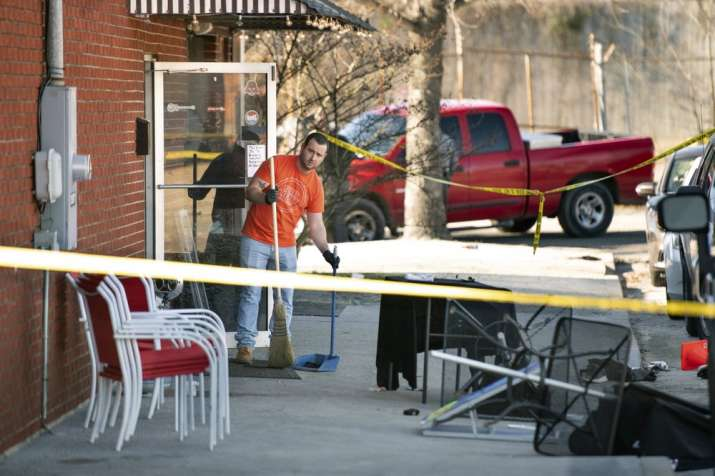 2 dead, 7 injured in South Carolina bar shooting