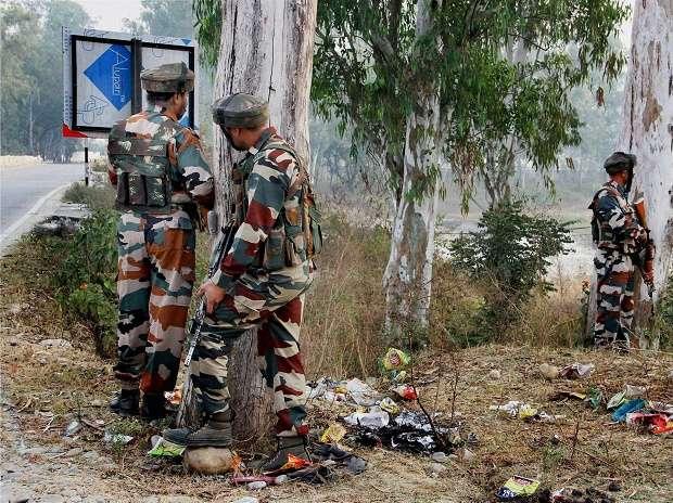 Terrorists hurl grenade on police post in old Srinagar city (Representational image)