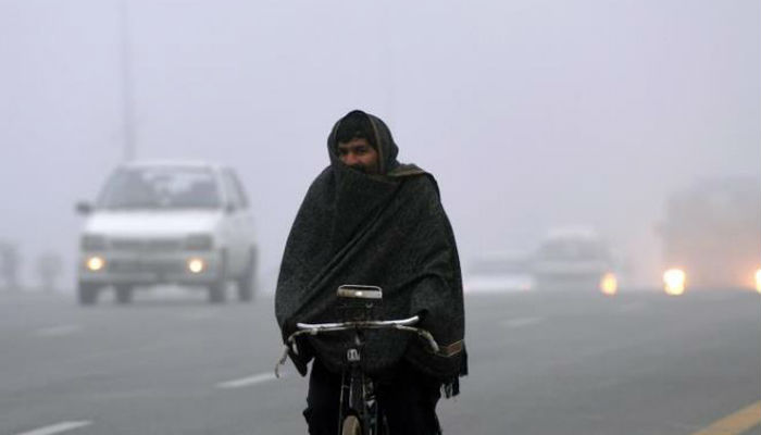 Extreme cold weather kills over 100 in Pakistan