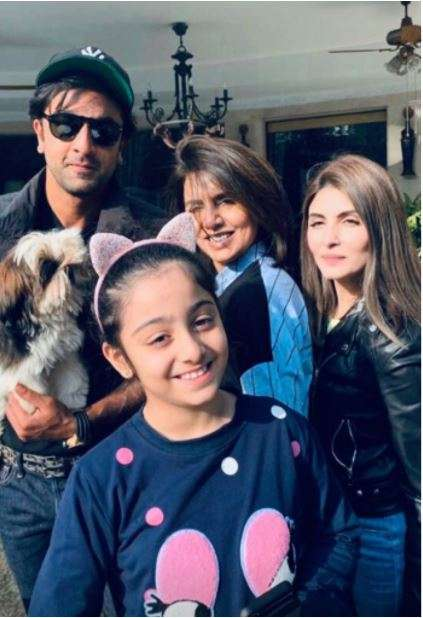 India Tv - Ranbir Kapoor with sister, mother, and niece.