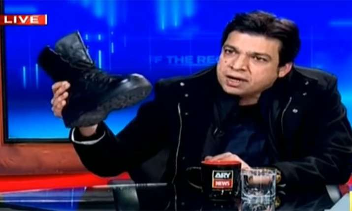 India Tv - Pakistani news anchor Kashif Abbasi's show banned for 60 days after Federal Minister's boot stunt