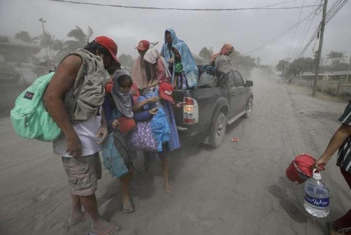 India Tv - Manila volcano