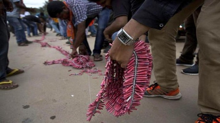 17 injured as firecracker hits crowd during pyrotechnic display at Kerala temple