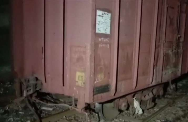 Goods train derails near Kurla; Harbour Line services hit