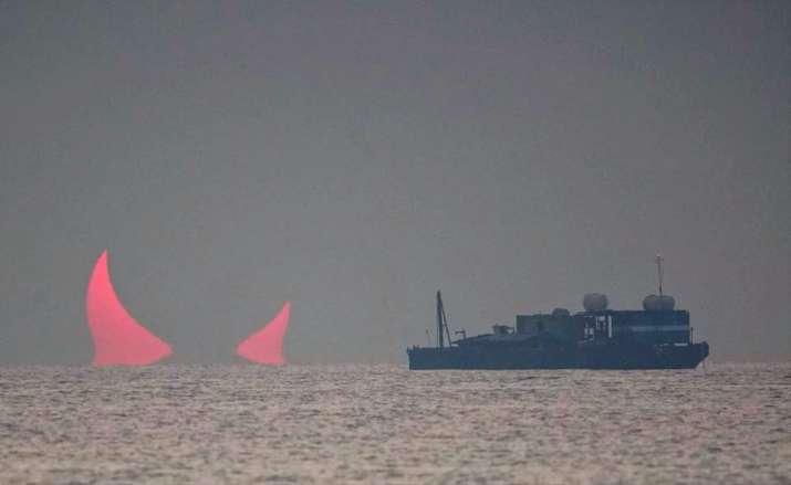 Solar eclipse, Devil Horns, natural Devil Horns, Sunrise, Qatar Sunrise, annular Solar eclipse, Elia