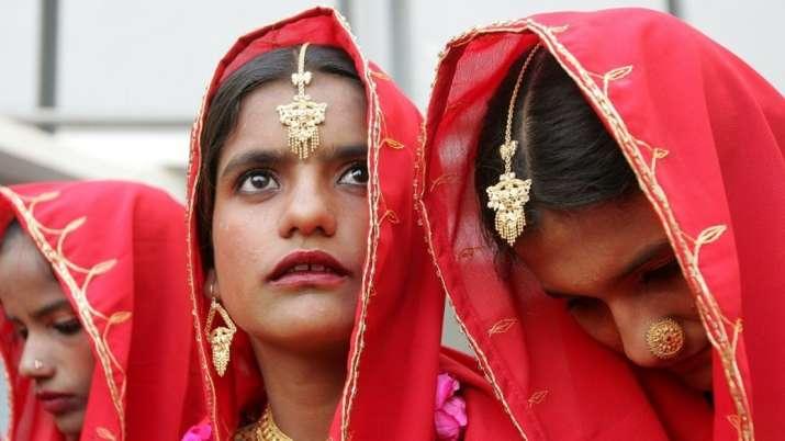 Pak Hindus turn to social media to raise girls' conversion