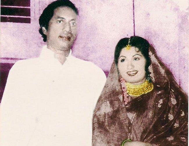 India Tv - Haji Mastan Mirza and actress Sona after they tied the knot