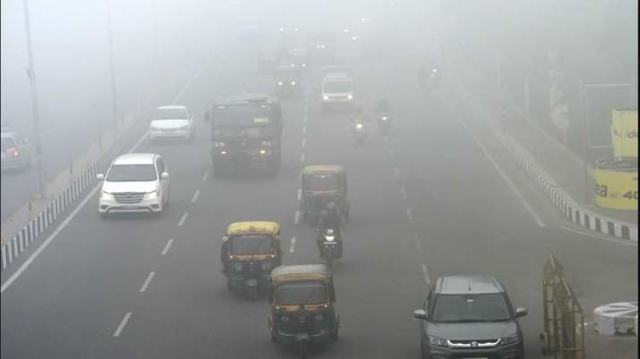 Minimum temp in Delhi settles 3 degrees below normal, shallow fog in some parts