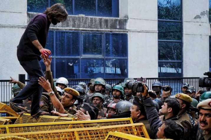 India Tv - A student of the Jamia Millia Islamia university injured, after a man opened firing during an anti-C
