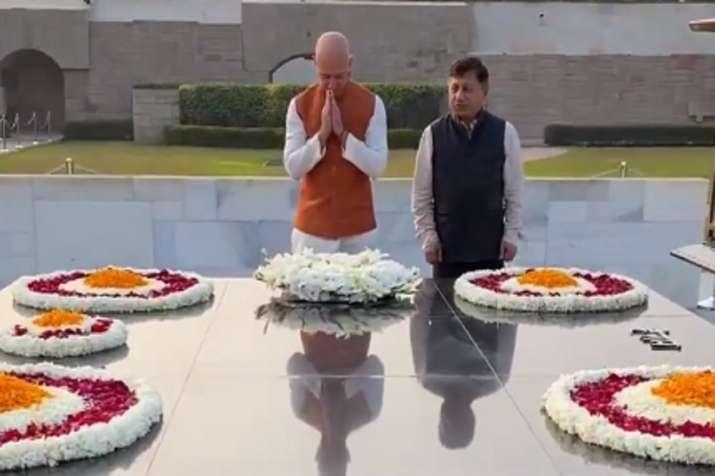Amazon, Jeff Bezos, Mahatma Gandhi, Raj Ghat, PM Modi