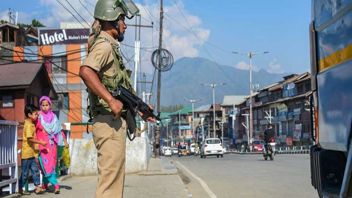 2G mobile internet to be restored in Kashmir from midnight