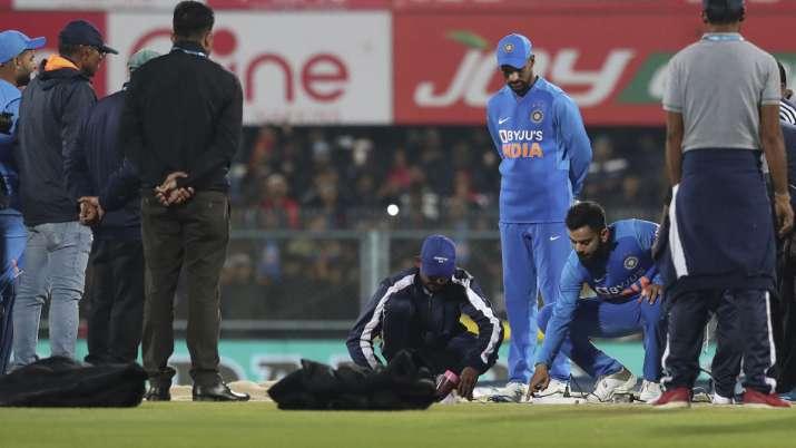 Live Cricket Score, India vs Sri Lanka 1st T20I